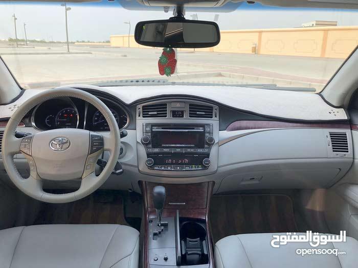 1 - 9,999 km Toyota Avalon 2011 for sale