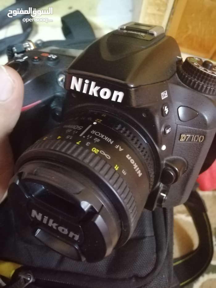 للبيع كاميرا 7100 نيكون