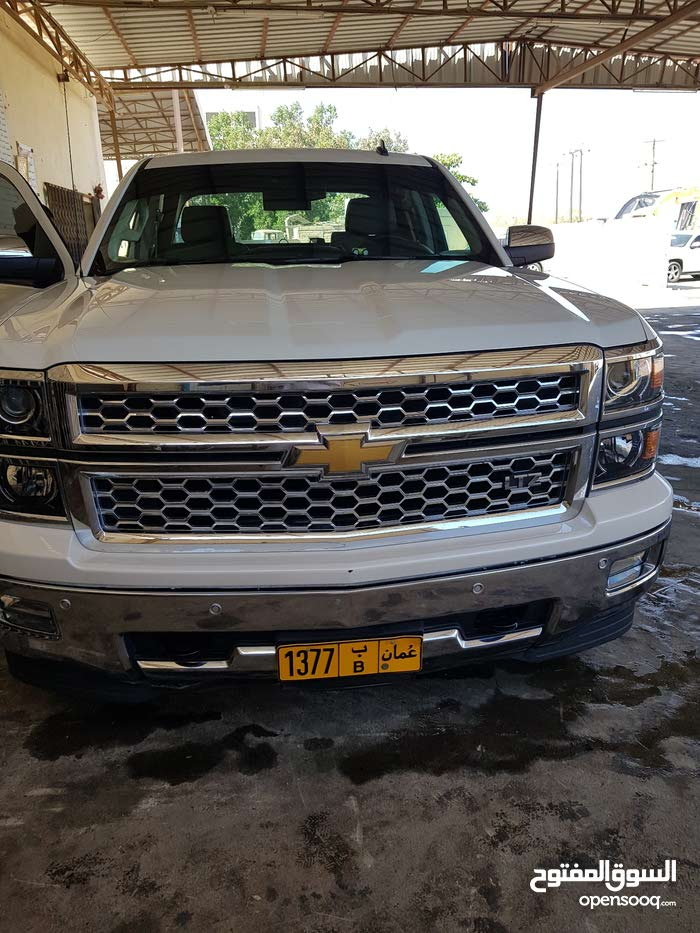 White Chevrolet Silverado 2015 for sale