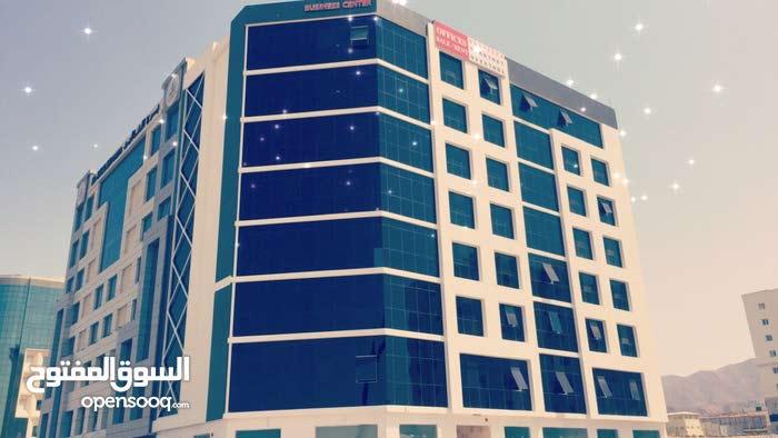 مكاتب تجارية للإيجار في بوشر خط أول KAYAN BUSINESS CENTER