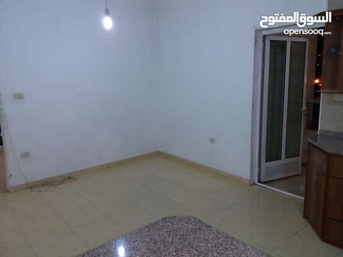 شقة للبيع في ام نوارة قرب مسجد التابعين