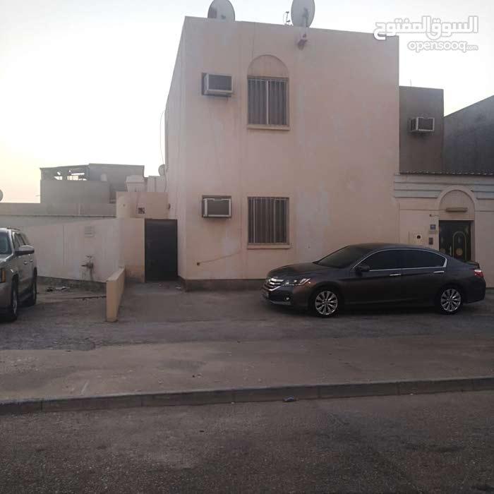 للبيع بيت إسكان في مدينة حمد دوار 17