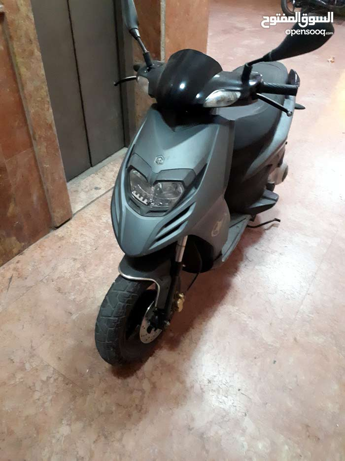 Used Aprilia motorbike up for sale in Hawally