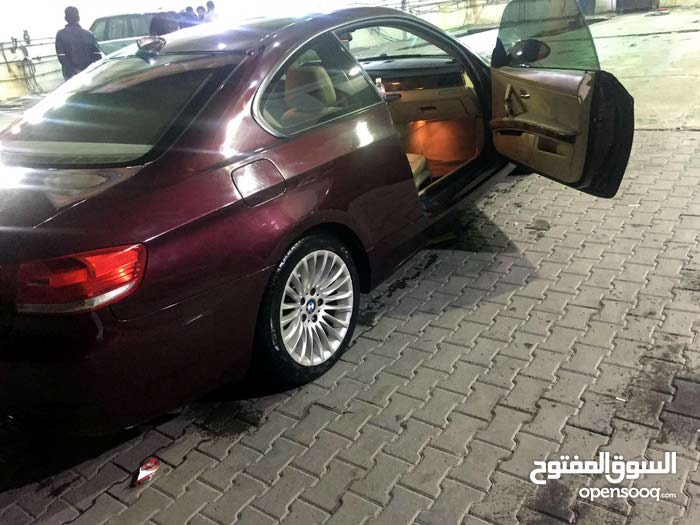 Available for sale! 10,000 - 19,999 km mileage BMW 320 2009