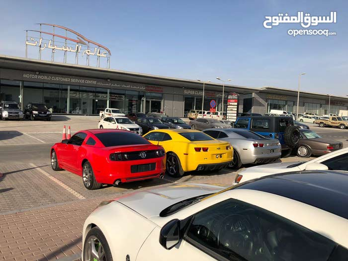معرض سيارات بكامل معداته ديكور حديث موقع مميز مع رخصة تجاريه