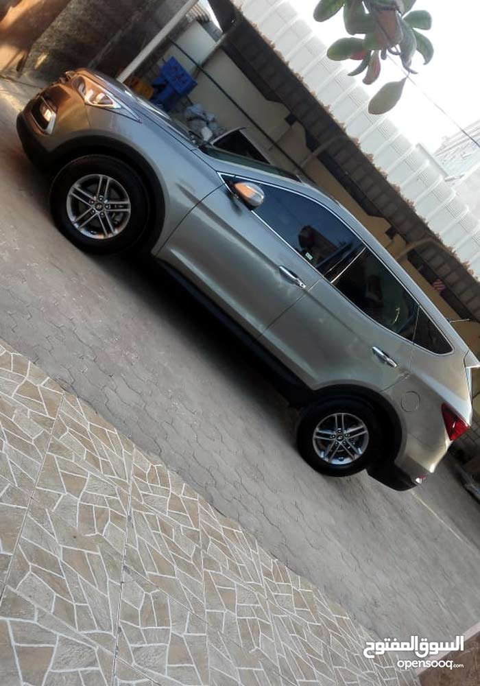 Grey Hyundai Santa Fe 2018 for sale