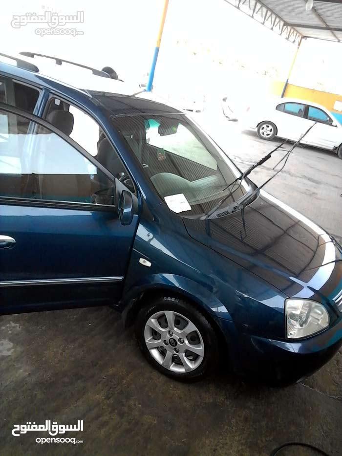 Kia Carens car for sale 2005 in Tripoli city