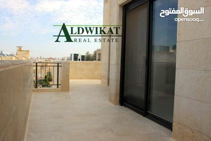 روف مميز  للبيع في عبدون مساحة البناء 133م مساحة التراسات 75م