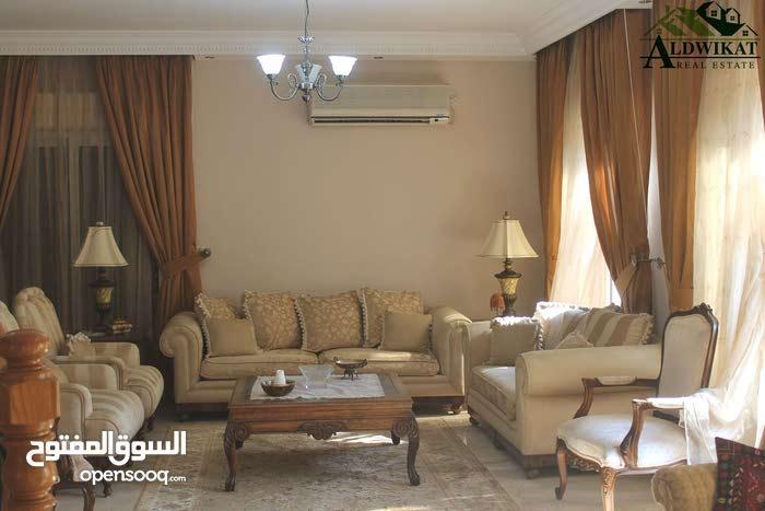 Luxurious 800 sqm Villa for sale in AmmanAl Kursi