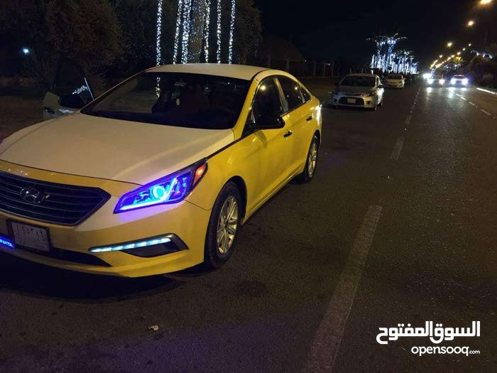 Automatic Yellow Hyundai 2015 for sale