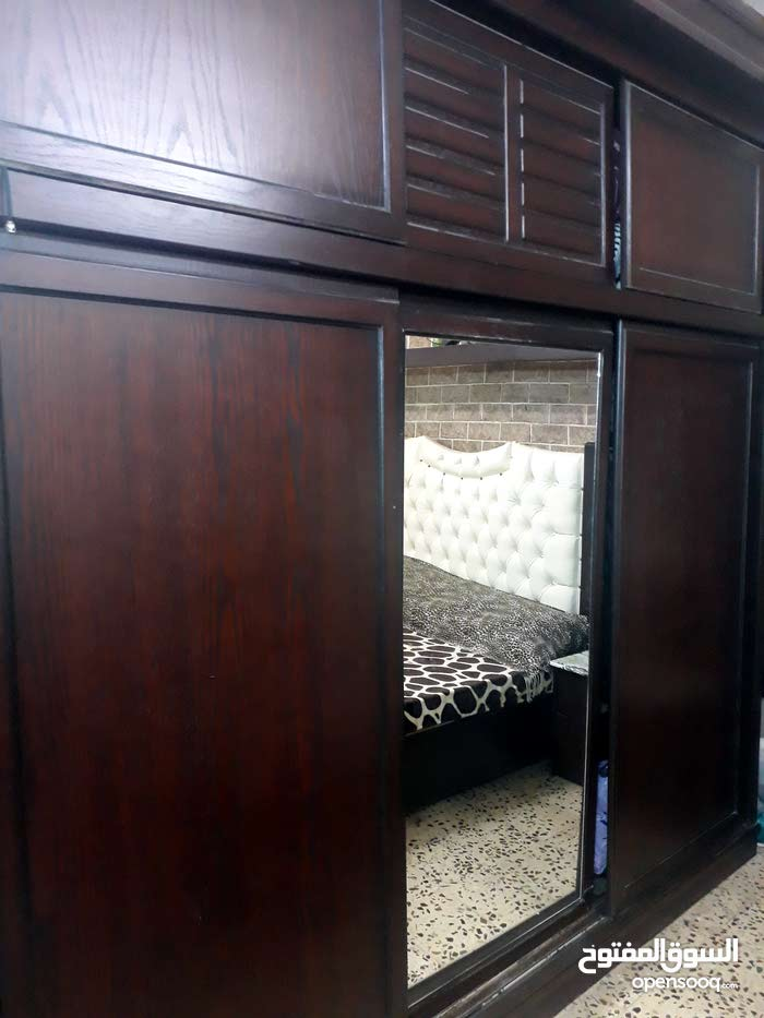 Buy Used Bedrooms - Beds with high-quality specs