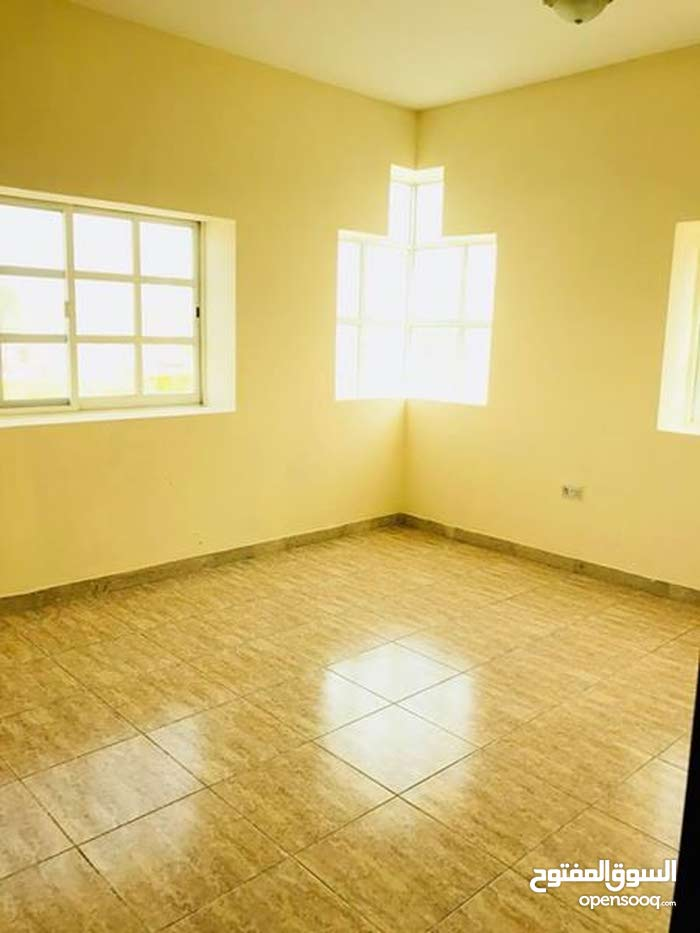 Abu Dhabi property for rent , building age -