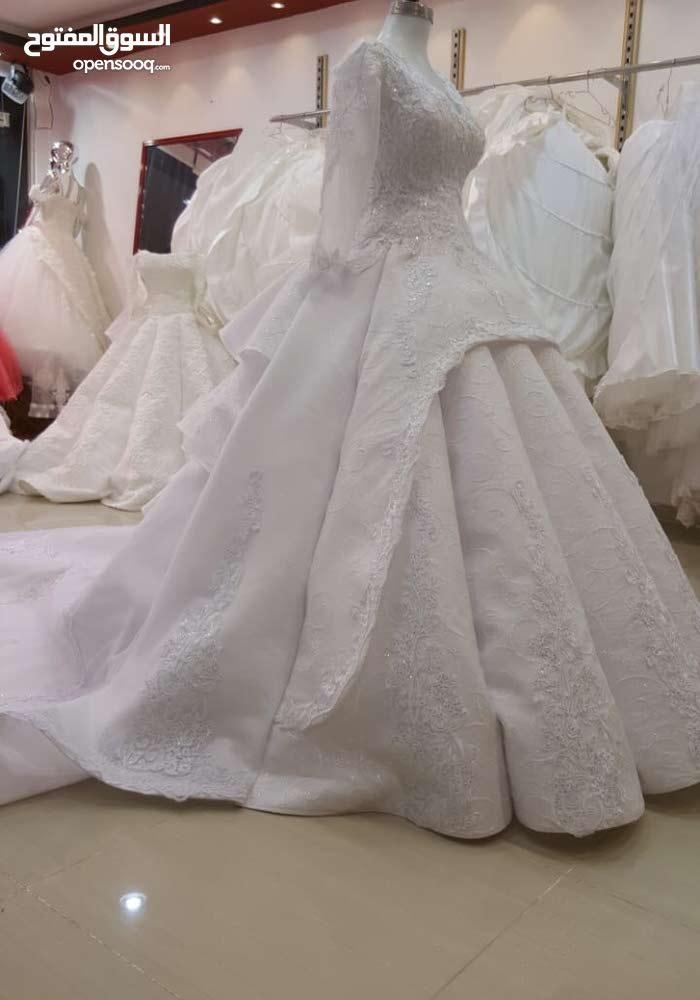 للبيع فستان زفاف جديد