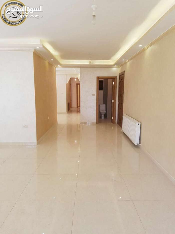 شقة ارضية مميزة للبيع في تلاع العلي 180م مع ترسات 60م بسعر مغري 108000