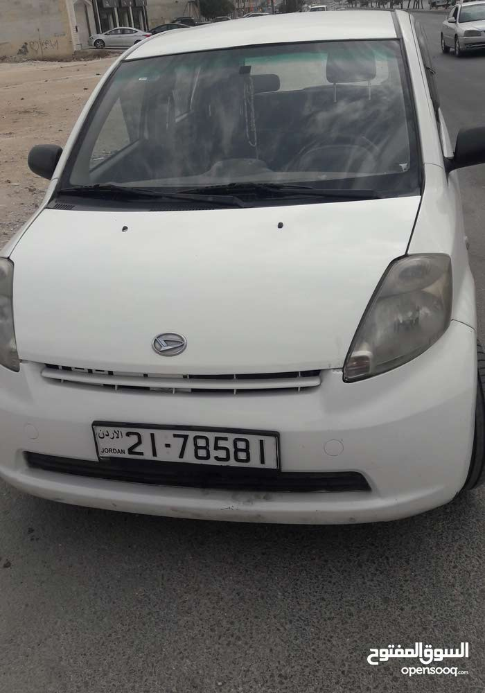 سيارة ديهاتسو سيريون 2011