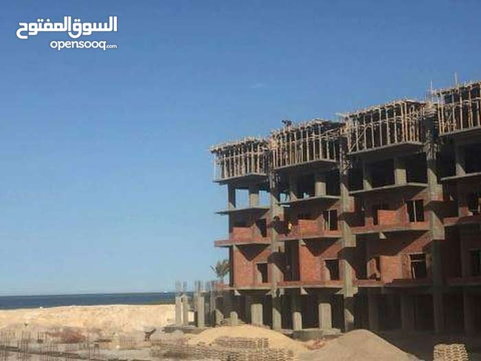 غرفة فندقية 32 م داخل منتجع علي البحر مباشرة و بشاطئ خاص وبالتقسيط على 4سنوات