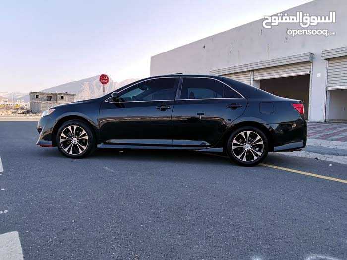 Toyota Camry car for sale 2014 in Rustaq city