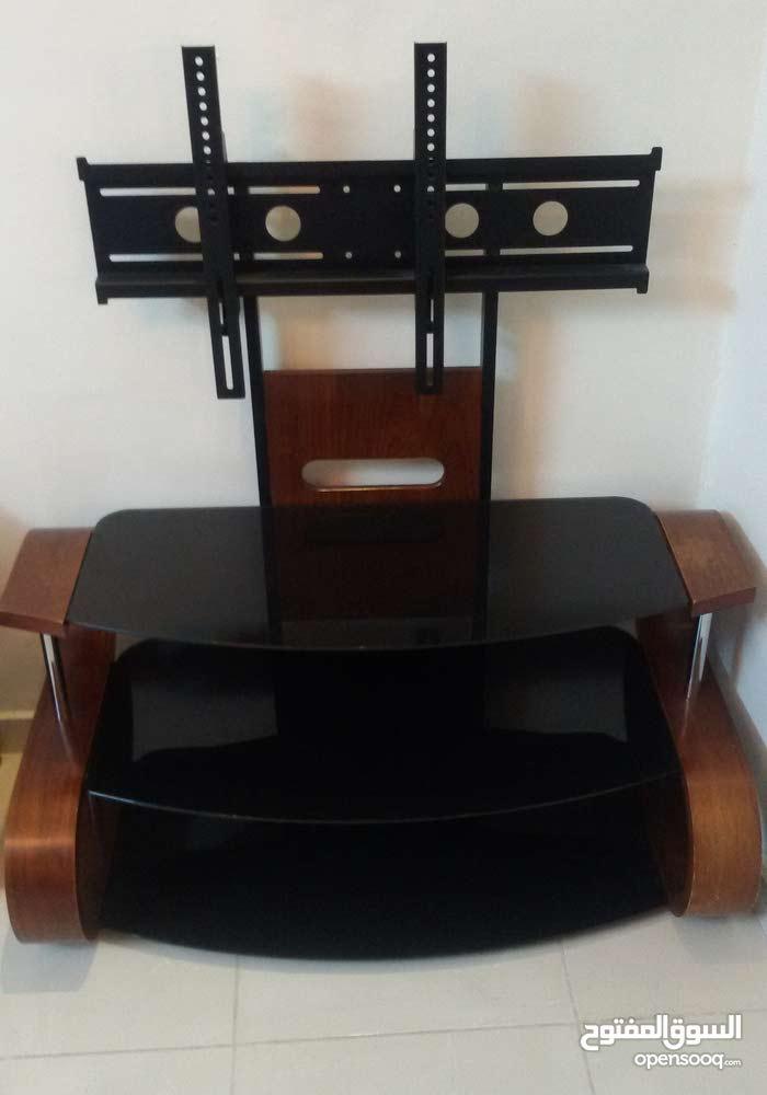 طاولة تلفزيون للبيع