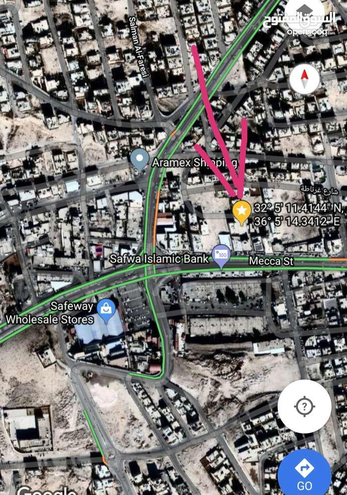 أرض إستثمارية تصلح لإسكان أو فيلا، شارع 36،بجانب مسجد عزت رامز مباشرة.