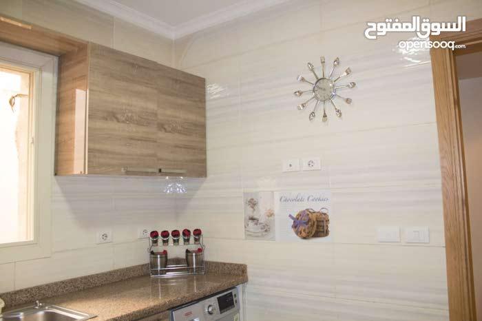 شقه فندقيه سياحيه مفروشه في مصر الجديده والاستلام في نفس الوقت 0201155524922