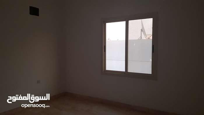 شقة للايجار في المقشع ثلاث غرف