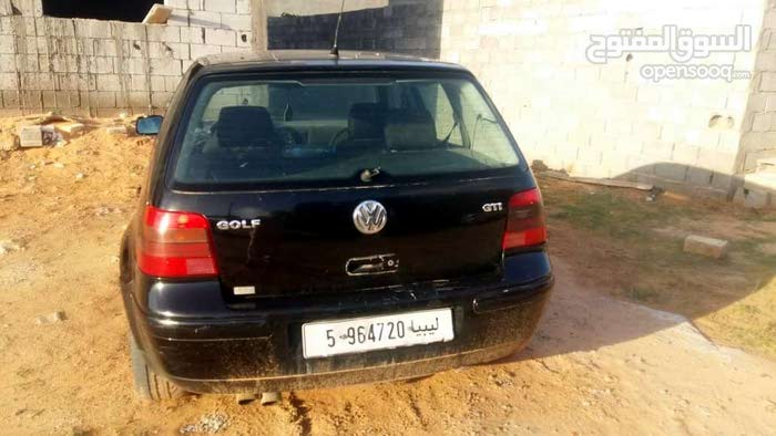 Volkswagen Golf made in 2005 for sale