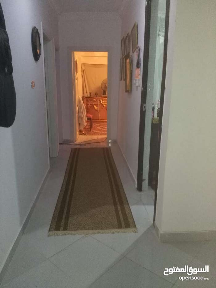 شقةفي شارع قصرالقويري للبيع