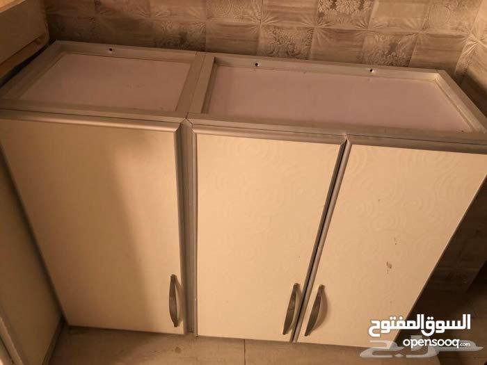 دولاب مطبخ شبه جديد نظيف وعالي الجوده للبيع