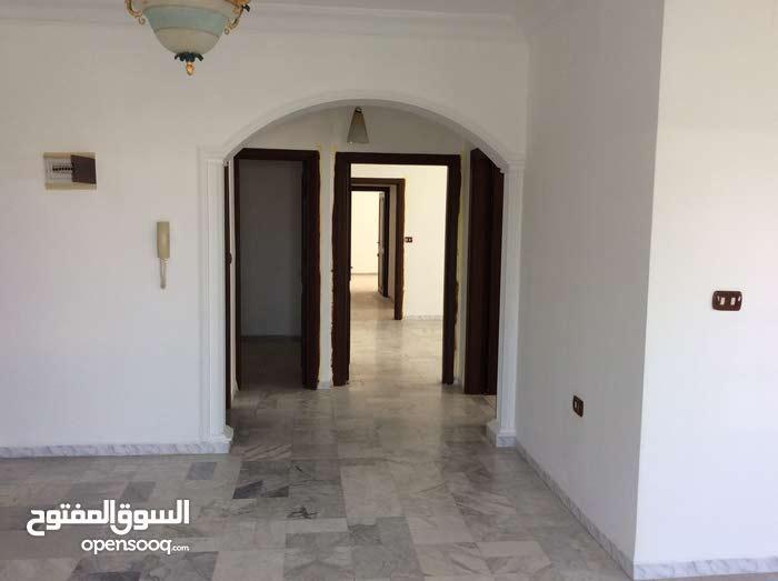 شقة طابق ثاني مساحة 173م للبيع / الرابية 27