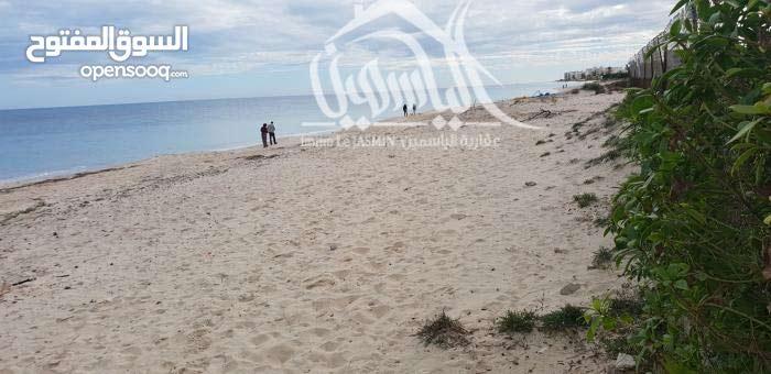 شقة واسعة على شاطئ البحر
