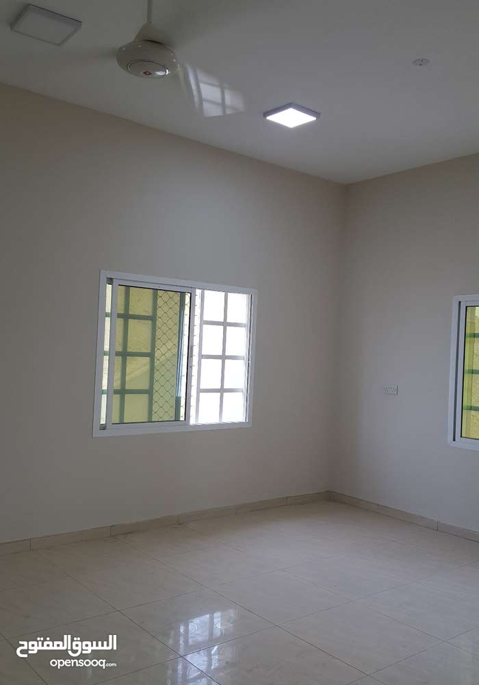 شقة جديده طابق ارضي .الكامل و الوافي