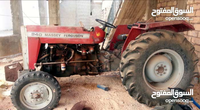 Used Tractor in Tarhuna is available for sale