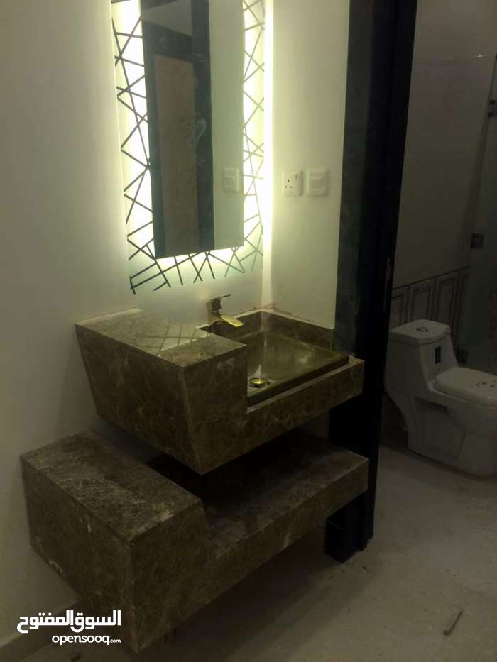 5 rooms 3 bathrooms apartment for sale in Al RiyadhDhahrat Laban