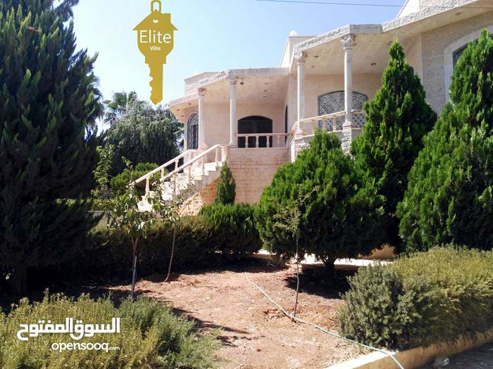 Villa for sale consists of 3 Rooms and More than 4 Bathrooms
