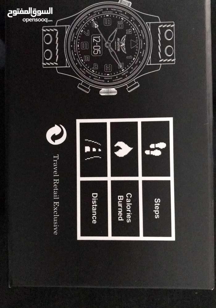 ساعة بلوتوث مع جميع الاجهزة الذكية.