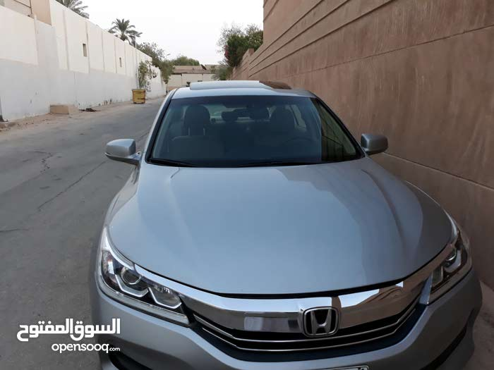 Honda Accord 2017 For sale - Grey color