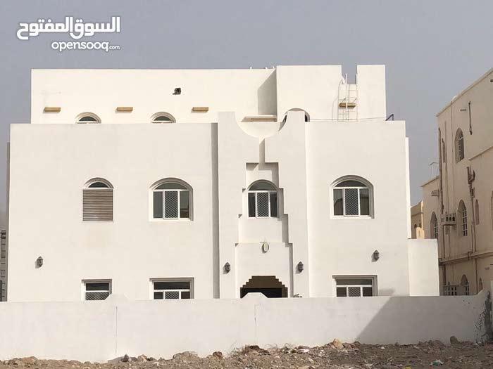 Murtafaat Alamerat neighborhood Amerat city - 440 sqm house for rent