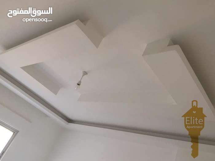 شقه طابق اول للبيع في الاردن - عمان - مرج الحمام بمساحه 200م