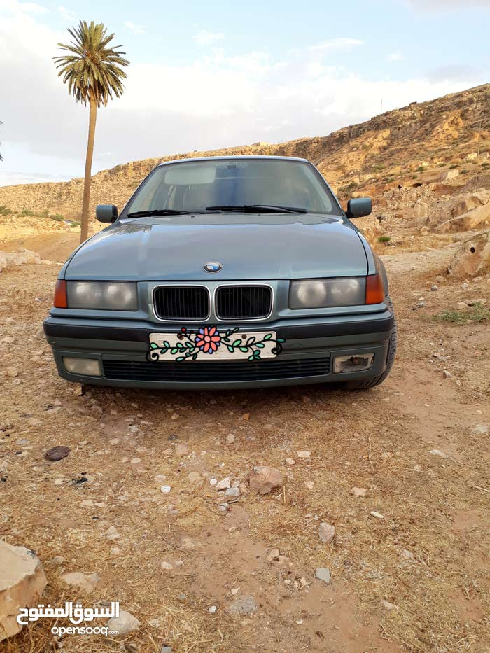 BMW 323 1984 For sale - Green color