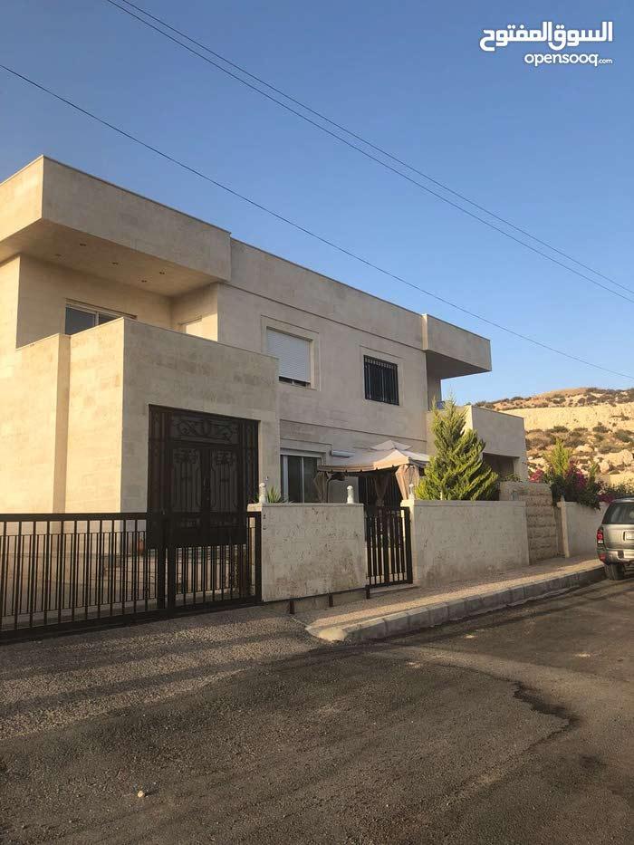 550 sqm  Villa for sale in Amman