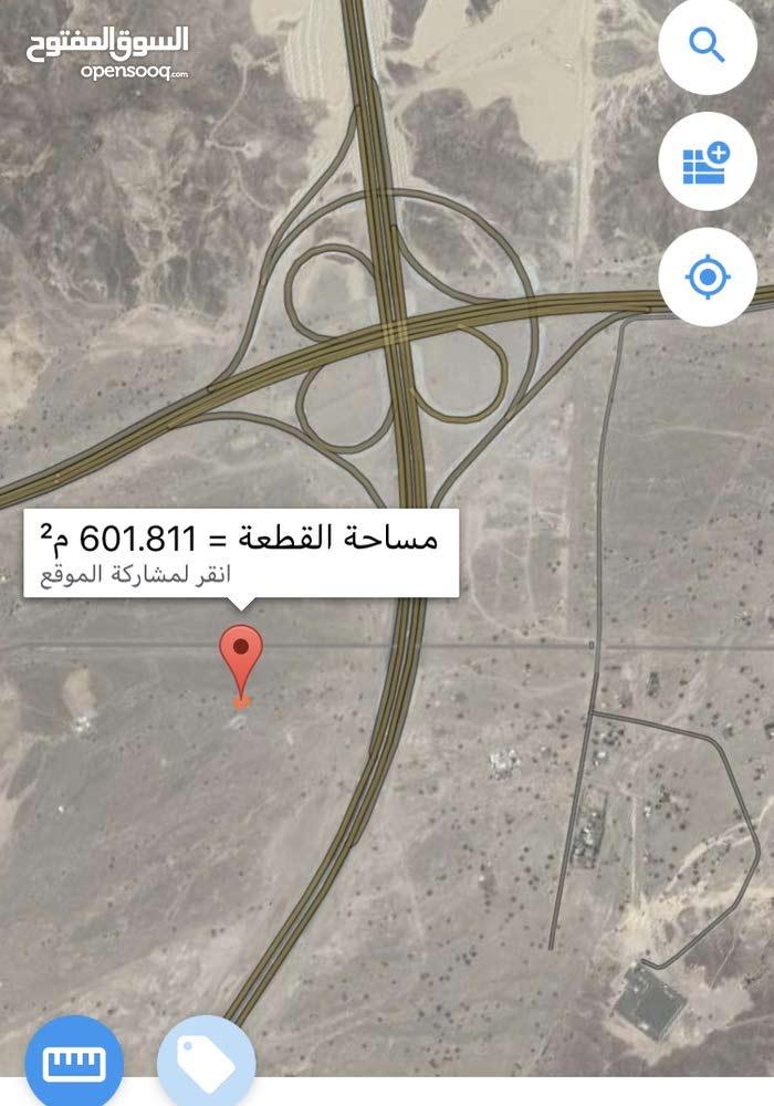 للبيع ارض سكنيه فلج السوق مربع 3 المساحه 600 متر