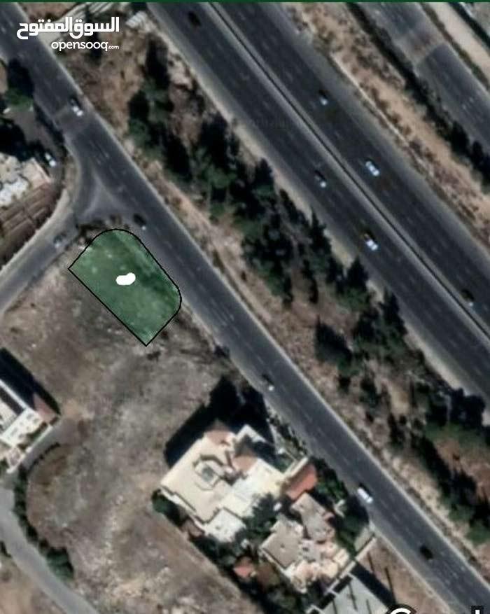ارض مميزة جدا للبيع/ طريق المطار