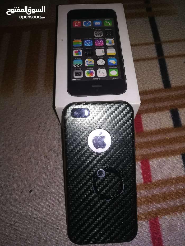 iphone 5s ايفون 5اس نظيف مع اغراضه