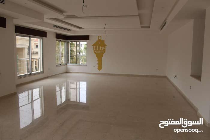 شقه طابقيه للبيع في الاردن - عمان - الصويفيه بمساحه 370 متر