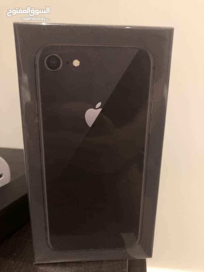 ايفون 8 (256)GB  جديد بتغليف المصنع
