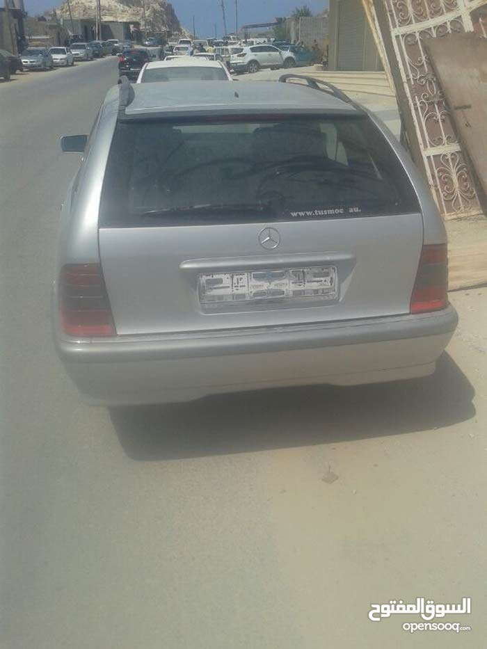 Available for sale! +200,000 km mileage Mercedes Benz C 200 1998