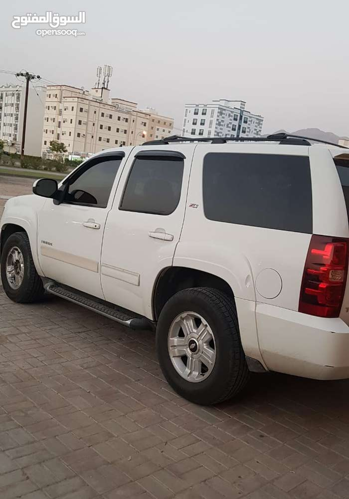 Chevrolet Tahoe car for sale 2010 in Muscat city - (107100046