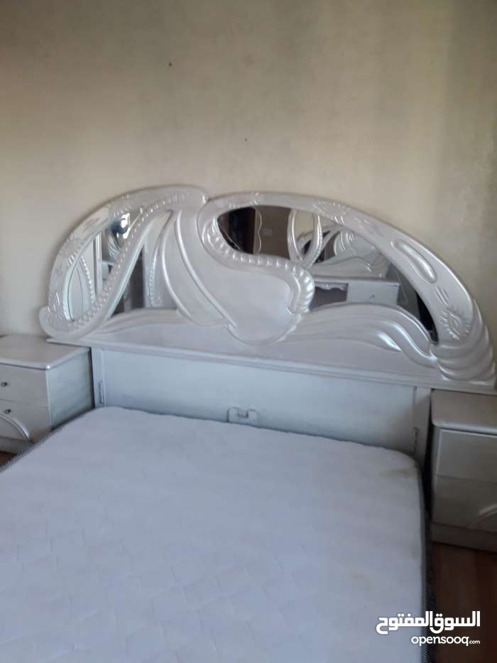 مطلوب غرف نوم وخزاين مستعمله