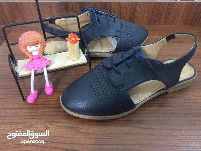للبيع حذاء موديل جديد صيفي فلات