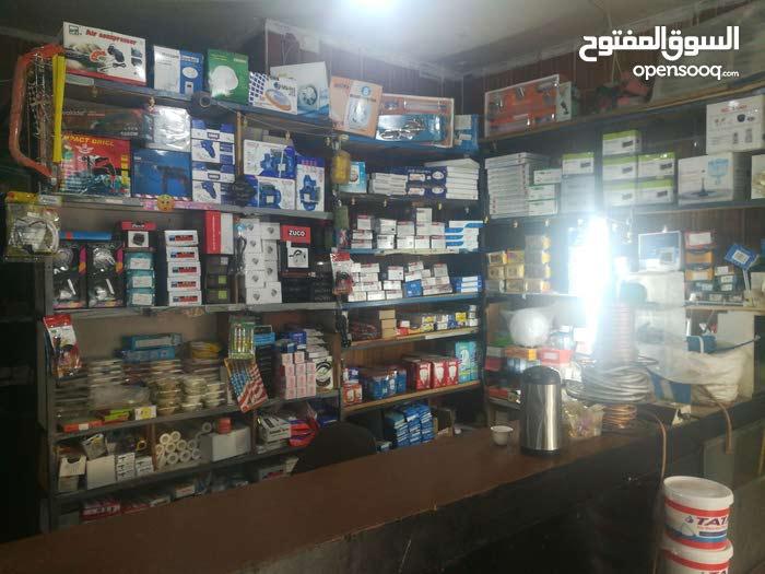 محل للبيع عين الباشا  موقع جيد علما بأن للمحل بابين واجره المحل 175 دينار
